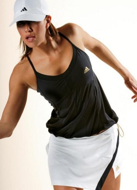 модная спортивня одежда