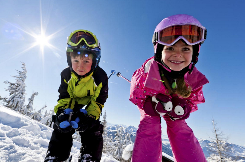 Kids snow skiing